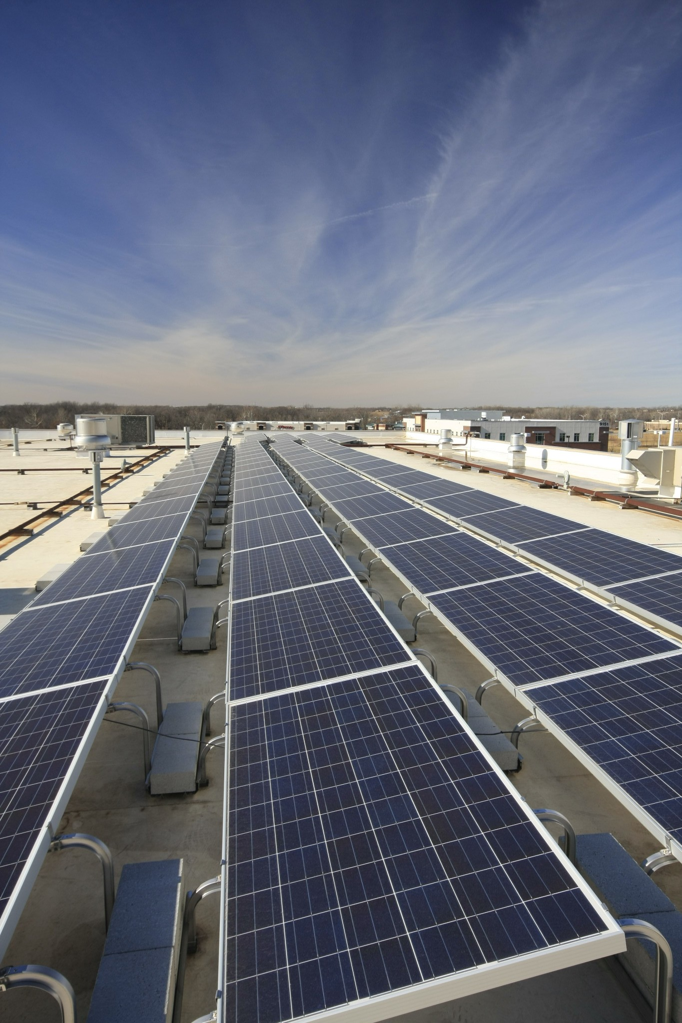 Why autodealers should pair electric cars with solar panels Brightergy